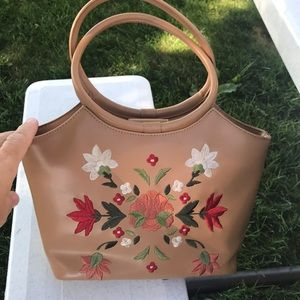 Retro Relic tan handbag